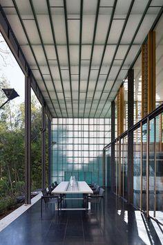 Taringa Residence by Loucas Zahos Architects