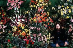 Uploaded by Find images and videos about the beatles, george harrison and george on We Heart It - the app to get lost in what you love. George Harrison House, The Beatles 1, Couples Tattoo Designs, Abbey Road, The Fab Four, Ringo Starr, Computer Wallpaper, Photo Essay, Paul Mccartney