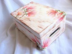 cutie lemn decorata 21469 - Lucruri de Mana