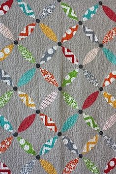 portland peel, i love the texture the basic meander quilting gives this quilt