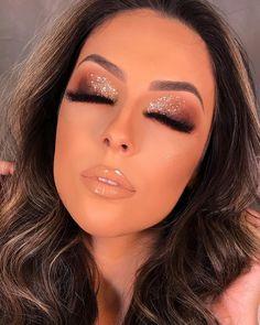 Makeup looks glitter mac eyeshadow ideas - Makeup Products Lipstick Makeup Trends, Makeup Inspo, Makeup Inspiration, Makeup Ideas, Makeup Eyeshadow, Makeup Brushes, Hair Makeup, Drugstore Makeup, Eyeshadow With Glitter