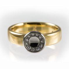 Unique summer diamond ring.