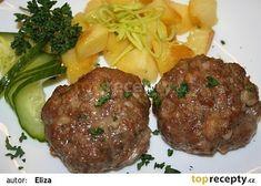 Olomoucké medailonky Ham, Steak, Beef, Treats, Ethnic Recipes, Red Peppers, Meat, Sweet Like Candy, Goodies