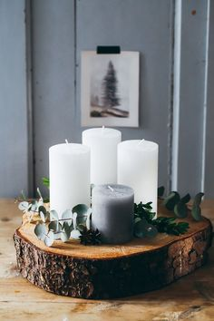 Advent wreath DiY with eucalyptus and tree trunk disc - Christmas diy candles for . Advent wreath DiY with eucalyptus and tree trunk disc - christmas diy candles zuckerzimtundlieb . Advent Candles, Christmas Candles, Noel Christmas, Diy Candles, Pillar Candles, Christmas Wreaths, Nordic Christmas, Reindeer Christmas, Modern Christmas