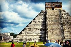 Chichen Itza, Mexico  #mexico #yucatan #chichenitza #picoftheday #photography #photooftheday #dslr #nikon #instagramhub #instapic #postproduction #photoediting #natgeo #travelblogger #travelphotography #travelpics #travel http://tipsrazzi.com/ipost/1508296392065261693/?code=BTui5PJDaB9