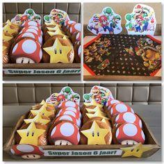 Super Mario Bros traktatie! Eenvoudig maar erg leuk om te zien en uit te delen. Eierkoek ingepakt met vershoudfolie, figuurtje erop plakken en klaar ⭐️ (Egg cake - easy - treat)