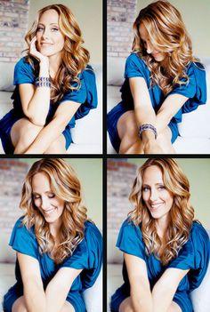 Love her hair Hair Dye Tips, Dyed Tips, Older Actresses, Actors & Actresses, Hair Due, Her Hair, Gorgeous Women, Beautiful People, Teddy Altman