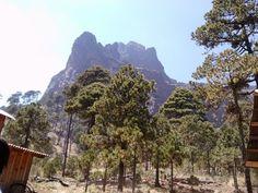 Nauhcampatepetl fue uno de los dos volcanes que Lisan y sus compañeros supervivientes pudieron divisar durante su viaje a la capital de los aztecas. Four Square, Vineyard, Outdoor, Volcanoes, National Parks, Earth, Voyage, Outdoors, Vine Yard
