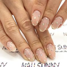 Oval Shaped Nails For A Formal Office Look #crystalsdesign Explore cute designs for short and long oval nails. Whether your nails are natural or acrylic, learning how to shape your nails oval is worth it. #naildesigns #ovalnails #nailart #nails