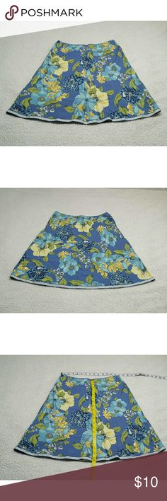 Old Navy floral print skirt size 4 Old Navy floral print skirt size 4 Old Navy Skirts Midi