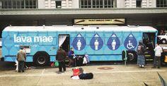 Direito ao banho Iniciativa transforma um ônibus comum em banheiros itinerantes e oferece a moradores de rua a possibilidade de um banho fácil