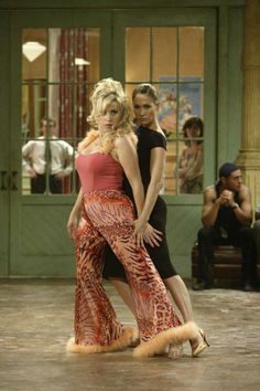 """Lisa Ann Walter and Jennifer Lopez in """"Shall we Dance?"""""""