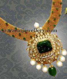 Jewellery Designs: Enchanting Choker in Emeralds