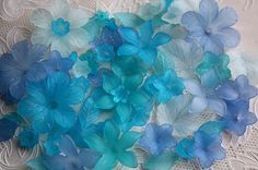 Something blue! 100pcs blue mix flower & leaf lucite beads by MissVirgocraftsupply, handmade jewellery & accessory, craft materials