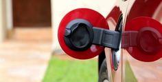 Alatay 2017, Kocaeli'de Piste Çıkıyor Denizli'de Pamukkale Üniversitesi'nin ikinci elektrikli otomobili olan Alatay 2017, Kocaeli'de yapılacak TÜBİTAK Alternatif Enerjili Araç Yarışları'nda piste çıkacak. http://www.enerjicihaber.com/news.php?id=3122