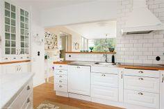 Kök Georgia, Kitchen Cabinets, House Design, Bath, St Louis, Design Ideas, Home Decor, Bathing, Decoration Home