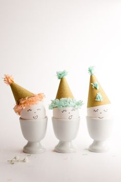 DIY Easter Eggs in Party Hats - @flaxandtwine