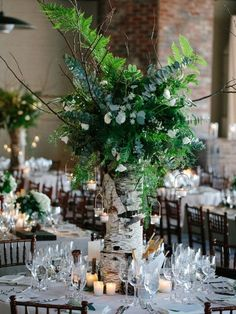 If you've been following us lately, you've seen beautiful and romantic woodland table settings, and now let's see how to highlight such a tablescape. Woodland centerpieces are so summer-like!