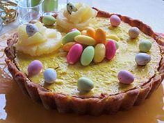 Ananaspiirakka saa mehevän makunsa rahkasta ja smetanasta. #pääsiäinen #rahkapiirakka