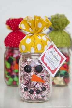 Quick Gift: SNOWMAN CANDY JAR…plus FREE printable!