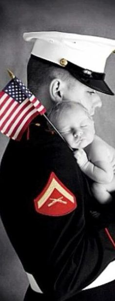 Military Daddy ♥ Home of the Free Because of the Brave! Newborn Photos, Baby Photos, Marine Baby, Usmc Baby, Military Love, Military Families, Military Baby Pictures, Military Brat, Military Photos
