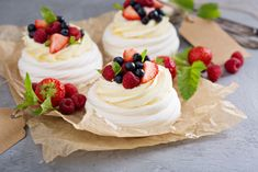 Pavlova, named after a Russian ballerina, originated in New Zealand. Oh yes it did, Australia! Mini Pavlova, Sweet Recipes, Snack Recipes, Cooking Recipes, Snacks, National Dish, British Baking, Cheesecake, Food And Drink