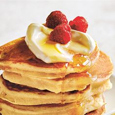 Make your own fluffy pancakes at hope with this simple Donna Hay pancake recipe. It's easy to make for breakfast or dessert! Ricotta Pancakes, Fluffy Pancakes, Blueberry Pancakes, Donna Hay Kids, Breakfast Recipes, Donna Hay Recipes, Cupcakes, Baking, Vanilla Essence