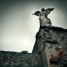 Angel exterminador en Cantabria, Arte Modernista