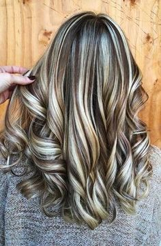Blonde Highlights For Light Brown Hair Ombre Hair Color, Brown Hair Colors, Cool Hair Color, Different Hair Colors, New Hair Colors, Dark Hair With Highlights, Dramatic Highlights, Highlight And Lowlights, Low Lights And Highlights