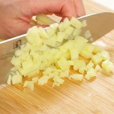 カリっとモチっと♪チーズが伸び〜るハッシュドポテトの作り方   mamatas(ママタス) Pineapple, Cooking Recipes, Favorite Recipes, Fruit, Japanese, Foods, Food Food, Pinecone, Food Recipes