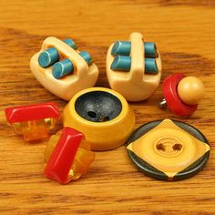 7 Vintage Bakelite Buttons 2 Tone Cookies ...Sold for $60 in 2013