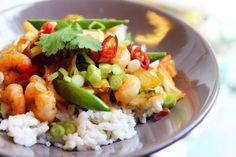 Thaise roerbak met garnalen en kokosrijst