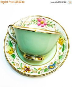 teatime.quenalbertini: Royal Chelsea Tea Cup by Graces Vintage Garden