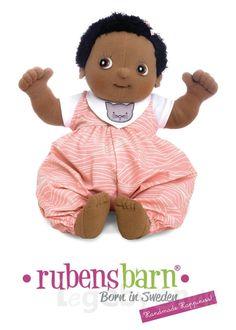 Bestil Rubens Baby dukken Nora på Legebyen.dk. Hun måler 45 cm og vejer 700 gram. #RubensBarn #RubensBaby #RubensNora #Legebyen #LegebyenDK #Rubens #Swedishtoys