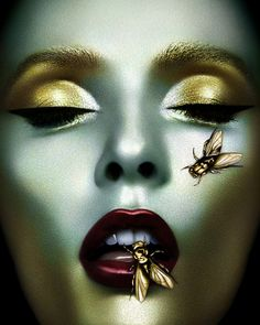 Phenomenal Fashion and Beauty Photography by Desiree Mattsson Maquillaje Halloween, Halloween Makeup, Tv Movie, Drag, Bee Art, Gold Makeup, Fantasy Makeup, Creative Makeup, Beauty Editorial