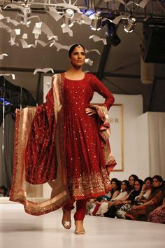 Nida Azwer 2013 Debut Fashion Show Collection   FashionStyleCry: Bridal Dresses, Women Wear, Makeup