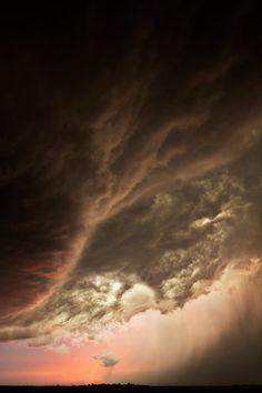 Storm clouds in Nebraska 2012. photo: Camille Seaman http://www.camilleseaman.com/Artist.asp?ArtistID=3258=WX679BJN