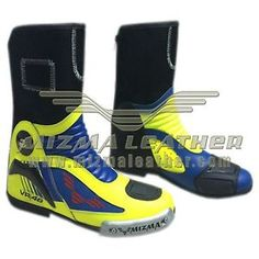 valentino rossi vr46 moto gp 2015 carreras de motos botas de cuero - Categoria: Avisos Clasificados Gratis  Estado del Producto: New without tagsValentino Rossi VR46 Moto Gp 2015 Motorbike Racing Leather Boots Description & Quality Of Boots1 All in one Stylish, Protective and Comfortable2 Opening zip at the back, velcro on both sides to stick to the trouser3Double Stitched, good quality leather Boots4Reinforced Protectors on toe, ankle and shin5Water Proof 100 6Lightweight non slippery…
