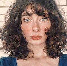 The Effective Pictures We Offer You About big chop hairstyles tapered twa A quality picture can tell Curly Hair With Bangs, Short Wavy Hair, Curly Hair Cuts, Hairstyles With Bangs, Pretty Hairstyles, Curly Hair Styles, Hair Inspo, Hair Inspiration, Aesthetic Hair