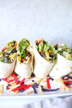 Keep things cool and easy with this Southwest Veggie Wraps with Vegan Ranch. A super simple lunch or dinner packed full of veggies and lots of flavor! What Is Healthy Food, Good Healthy Recipes, Eat Healthy, Veggie Wraps, Vegetarian Wraps, Vegetarian Recipes, Vegetarian Sandwiches, Going Vegetarian, Vegetarian Breakfast