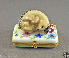 NEW HAND PAINTED AUTHENTIC FRENCH LIMOGES BOX CUTE HEDGEHOG RESTING ON FLOWERS