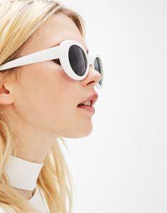 Beyaz güneş gözlüğü - Yeni - Bershka Turkey