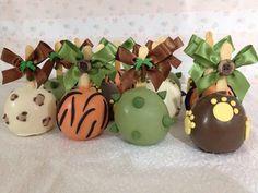 Maçã do Amor de Chocolate A cor e o Tema são de preferencia do Cliente Embalagem: Saquinho e Fita de cetim Qtde mínima : 10 Validade: 5 dias