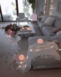 51 affordable apartment living room design ideas on a budget 36 Living Room Decor Cozy, Home Living Room, Apartment Living, Interior Design Living Room, Living Room Designs, Decor Room, Cozy Apartment, Living Spaces, Cozy Home Decorating
