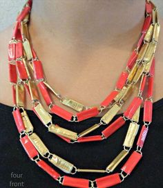 Four Front Doors: Duct Tape and Paperclip Necklace Tutorial Duct (Duck) tape in the color(s) of your choice Paperclips (I used small gold colored clips, but you can use any… Duct Tape Jewelry, Duct Tape Bracelets, Duct Tape Bows, Duct Tape Dress, Diy Jewelry, Jewelry Making, Homemade Jewelry, Homemade Gifts, Duct Tape Projects
