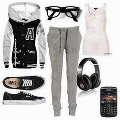 Adorable winter nerdy look outfit for teens | Fashion World. I would just change the phone