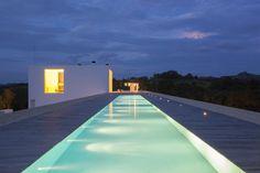 150 mq. weekend house by Shinichi Ogawa & Associates