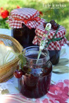 Barbi konyhája: Meggylekvár..., az első ♥ Chocolate Fondue, Preserves, Squash, Elsa, Barbie, Food, Preserve, Pumpkins, Gourd
