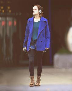 Emma Charlotte Duerre Watson (born 15 Apr is an English actress and model. Emma Watson Daily, Emma Watson Style, Emma Style, Emma Watson Casual, Emma Love, Emma Watson Beautiful, Emma Watson Outfits, Miss Perfect, Teen Fashion
