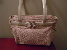 "Vera Bradley ""Mon Cheri"" handbag! I want this bag!!"